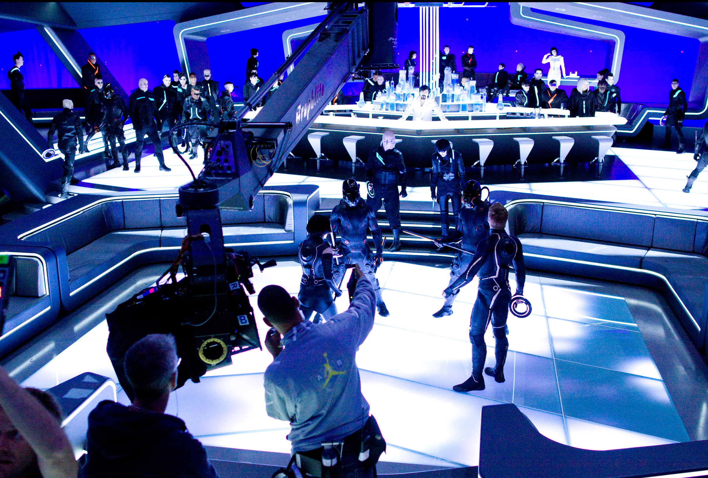 4 new awesome behind the scenes images from tron legacy