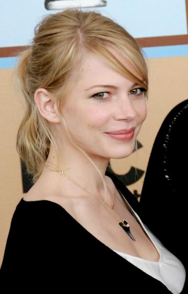 who is michelle williams dating in 2015