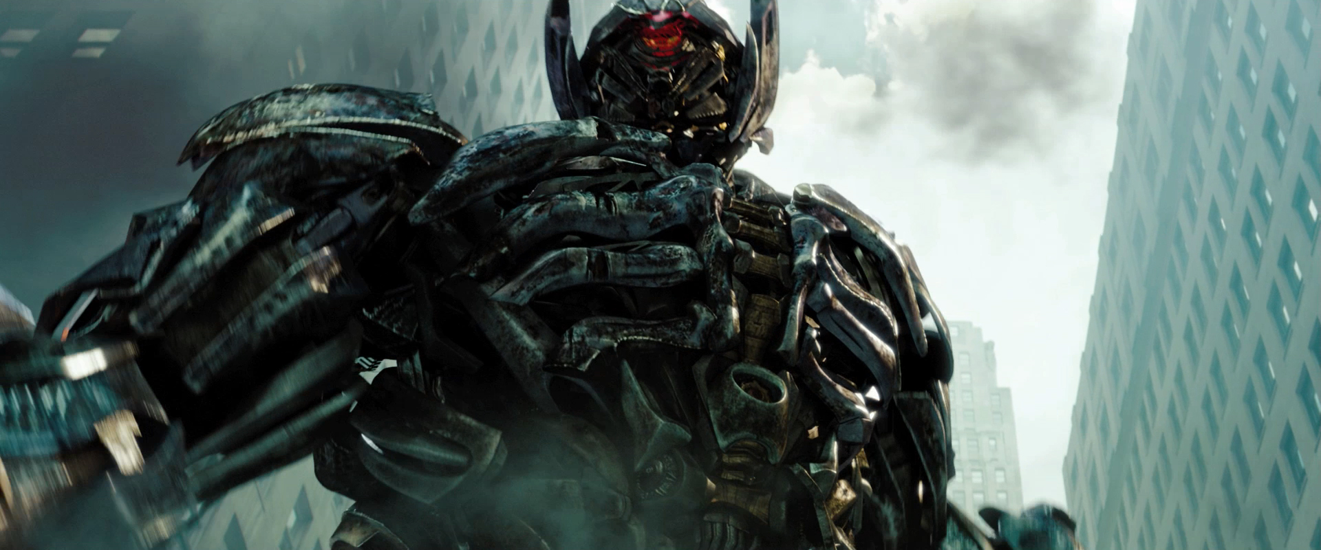 Transformers 3 - Soundwave - HeyUGuys