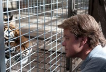 Matt Damon's Benjamin Mee faces off with Spar, an elderly tiger who is giving up on life.