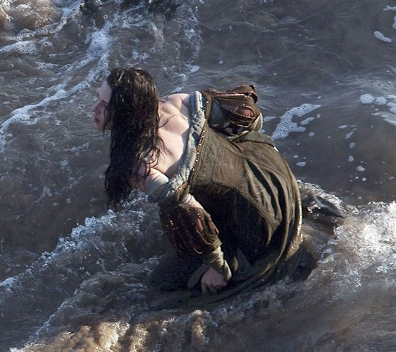 Branca de Neve e os Huntsman - Pics Kristen Stewart Set (7)