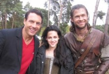 Snow White and the Huntsman Set Photo - Chris Hemsworth and Kristen Stewart