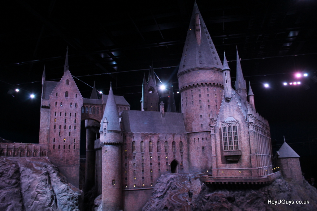 harry potter studio tour hogwarts model heyuguys 37