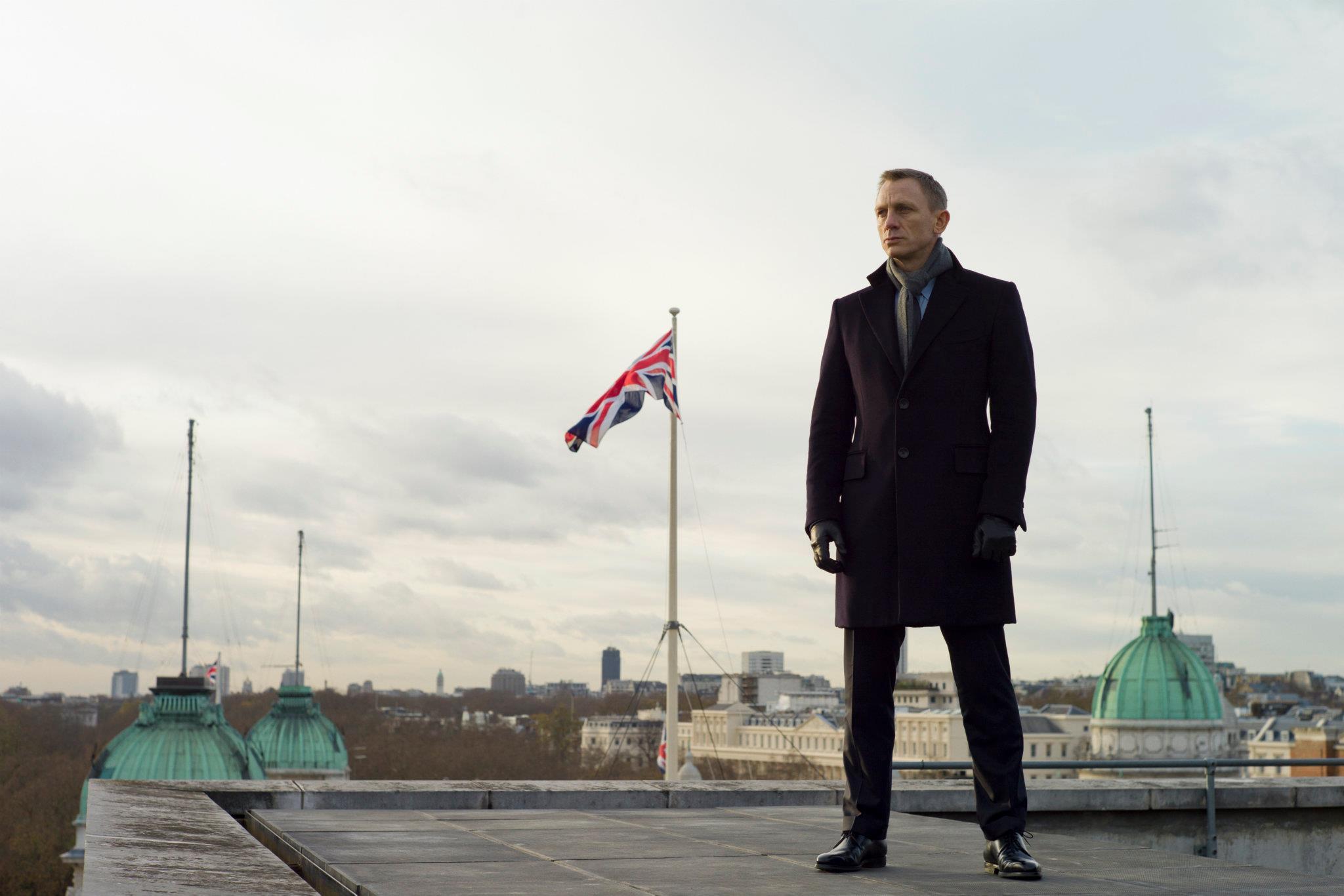 Daniel Craig In Skyfall Heyuguys
