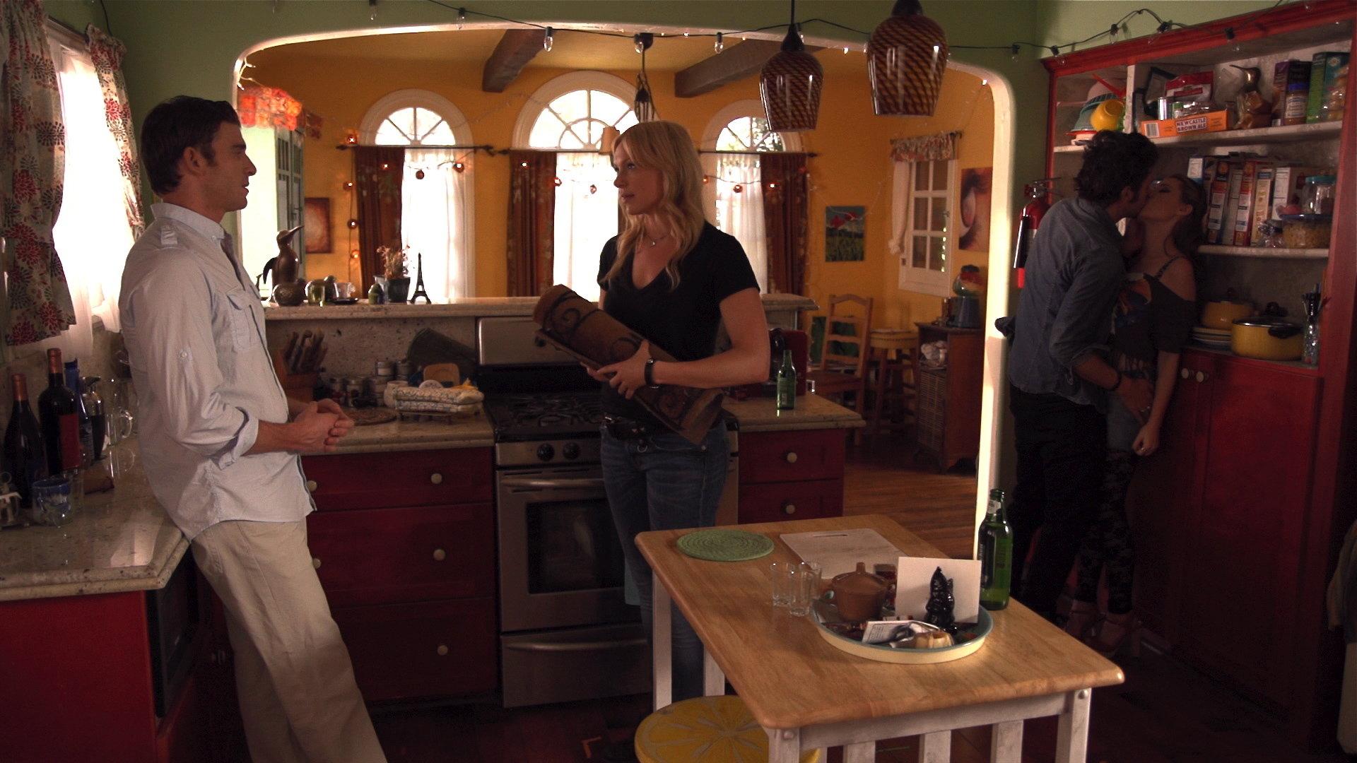 Laura Prepon and Bryan Greenberg in The Kitchen 2 - HeyUGuys