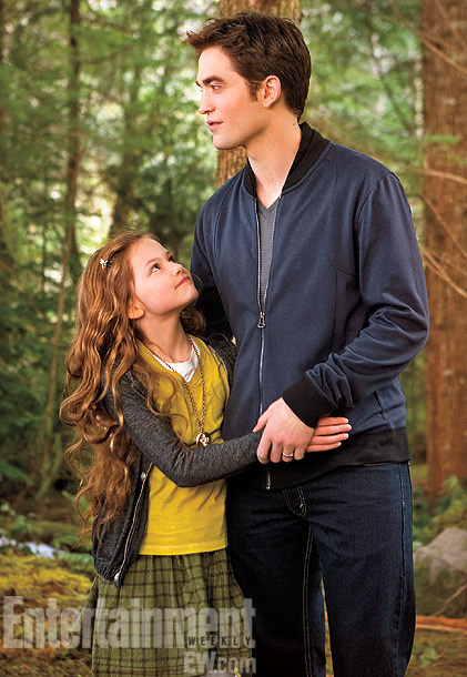 Mackenzie Foy and Robe...