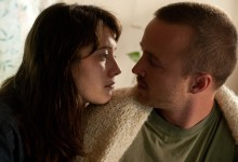 Mary Elizabeth Winstead and Aaron Paul in Smashed