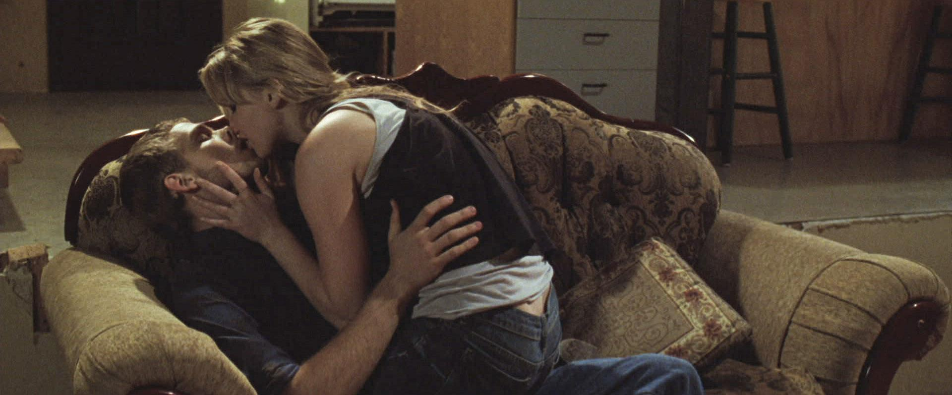 Max Thieriot And Jennifer Lawrence In House At The End Of