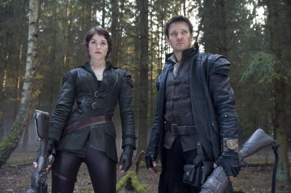Gemma-Arterton-and-Jeremy-Renner-in-Hansel-and-Gretel-Witch-Hunters