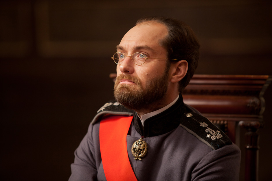 jude law in anna karenina 6 heyuguys