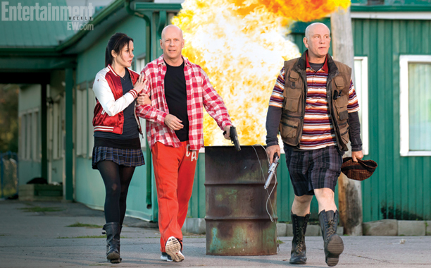 Mary-Louise-Parker-Bruce-Willis-and-John-Malkovich-in-RED-2