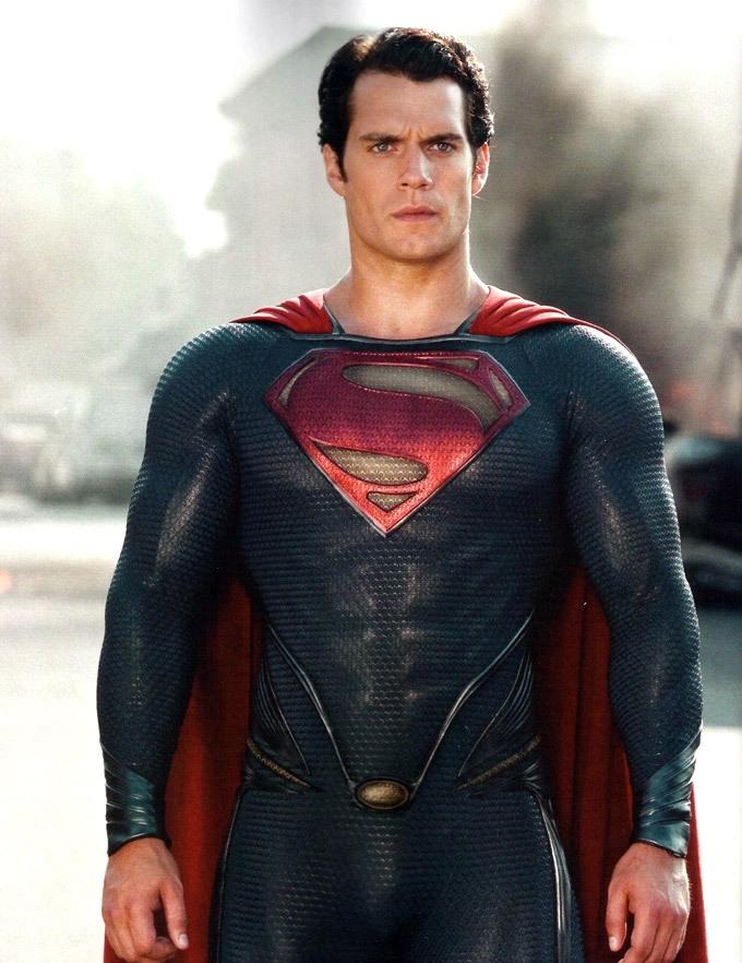 Henry Cavill in Man of Steel - HeyUGuys