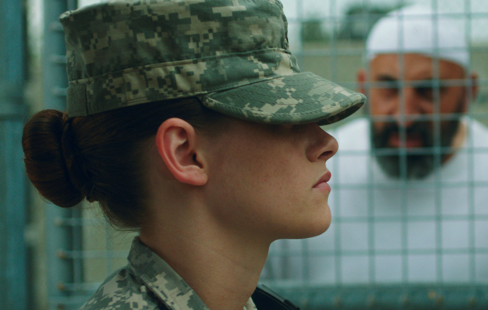 Kristen-Stewart-in-Camp-X-Ray