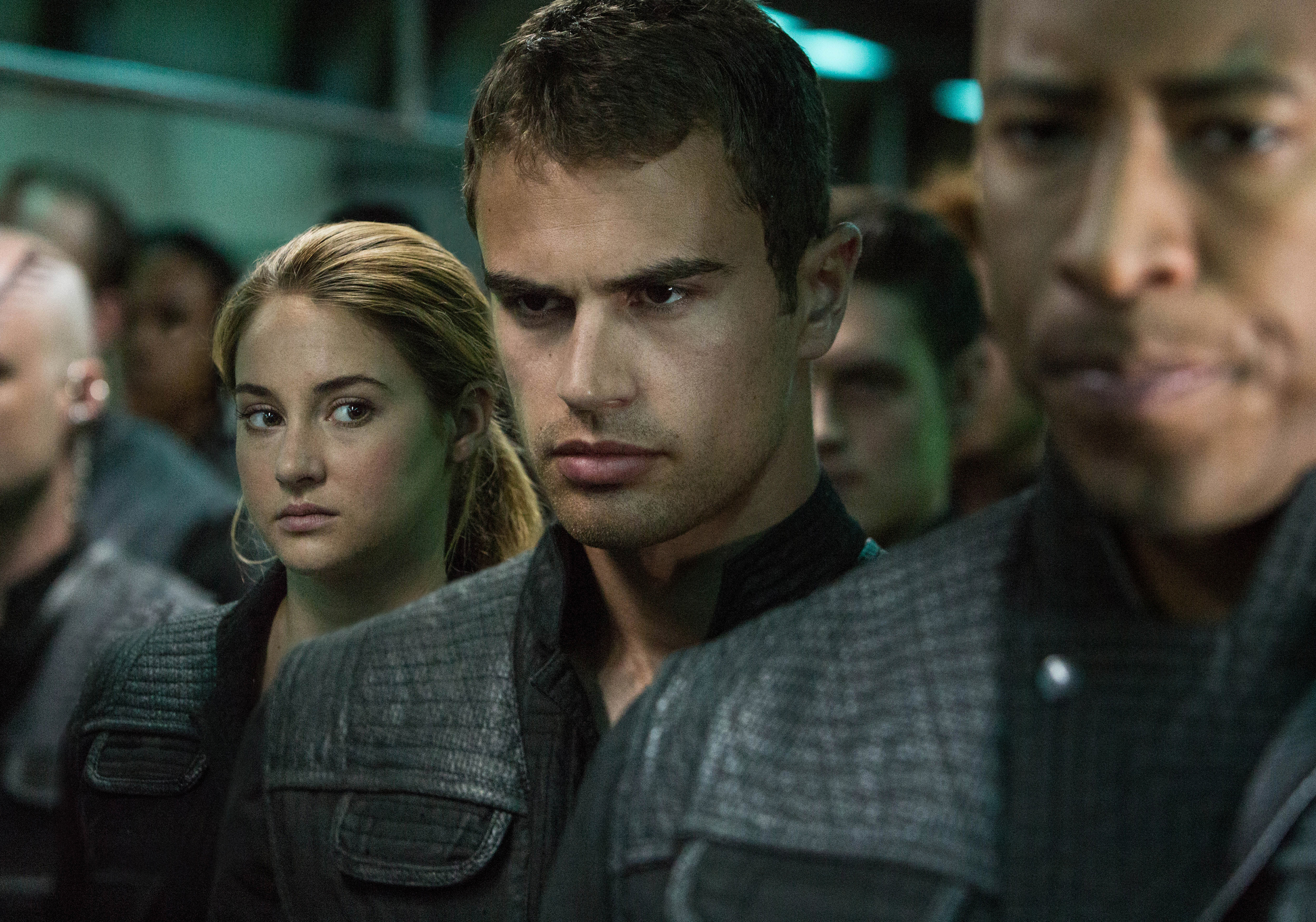 Theo James Divergent Movie