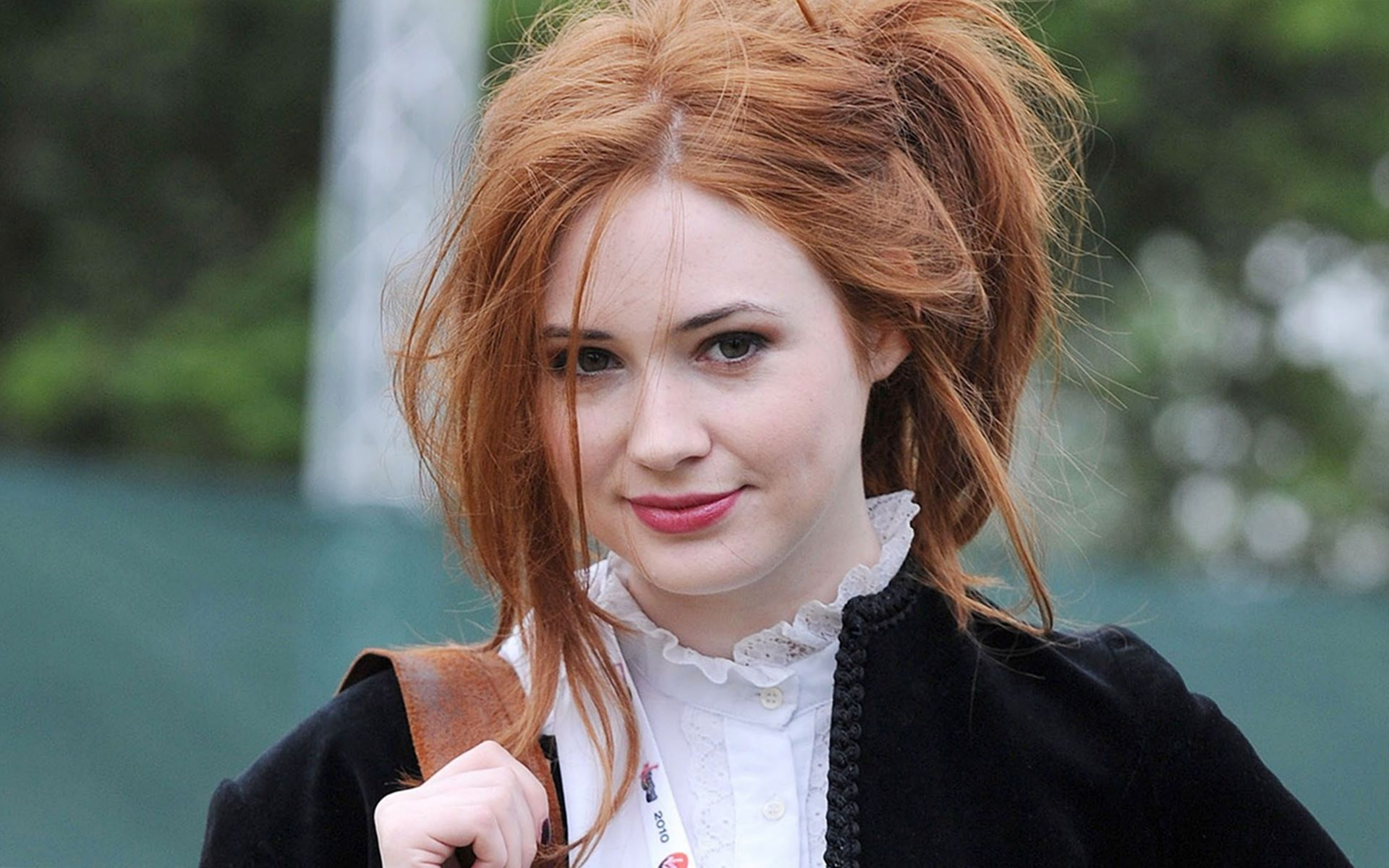 Karen gillan begins filming tupperware party her directorial debut