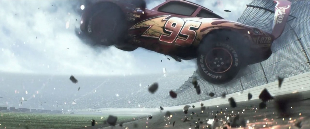 cars 3 - Lightning McQueen crashes