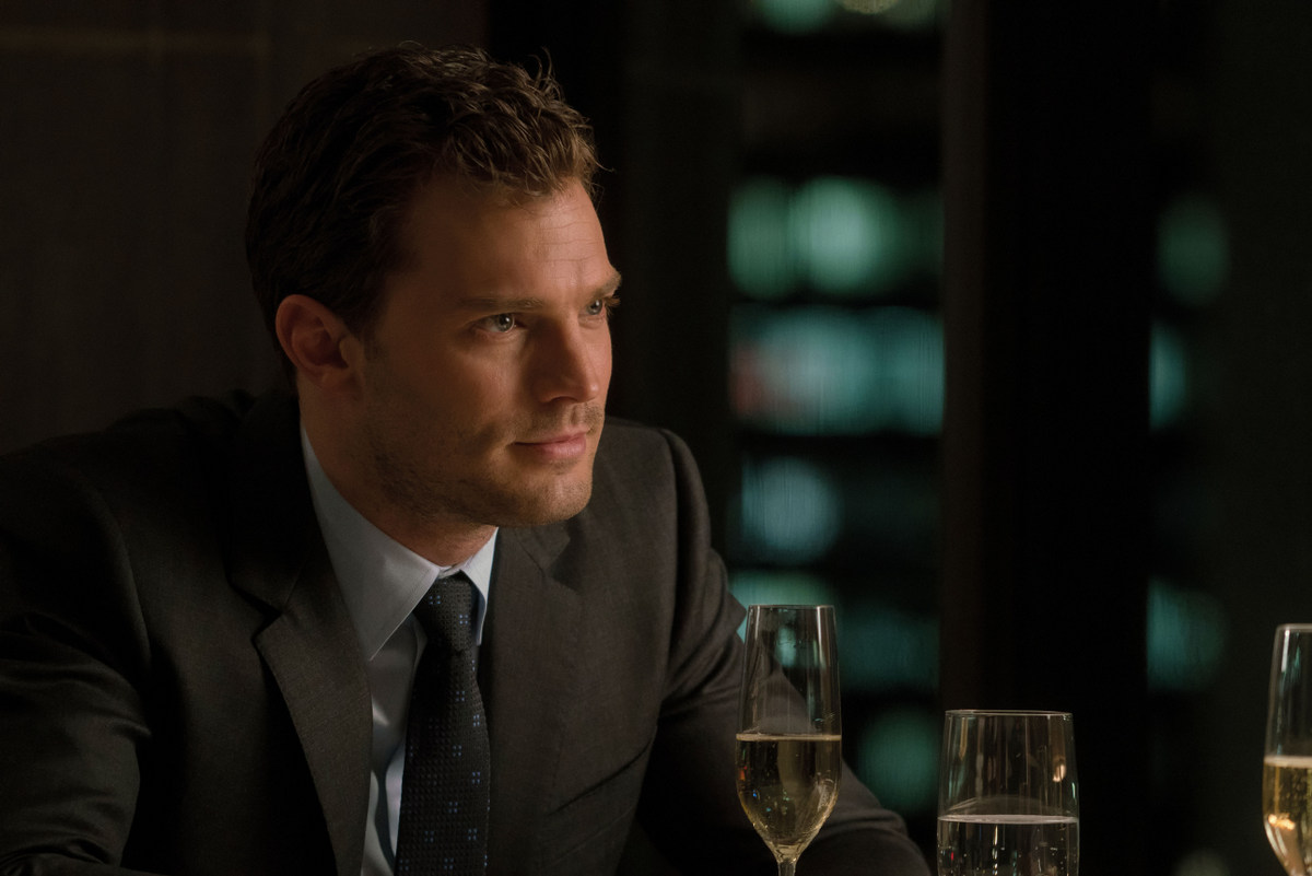 Fifty shades darker uk trailer posters images heyuguys for Fifty shades of grey 2