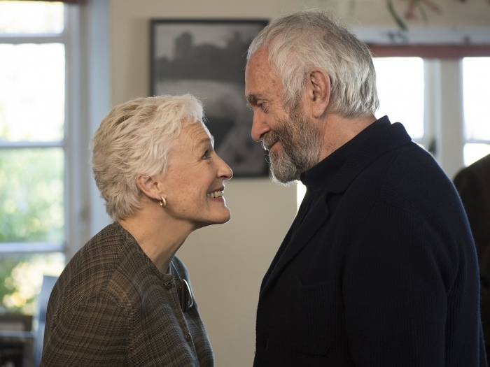 first look image of glen close in the wife with jonathan pryce