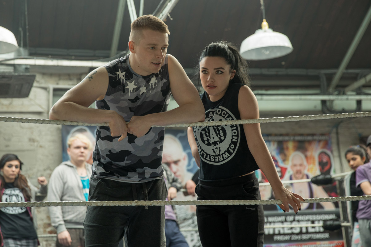 florence pugh struggles with life in the us in new trailer